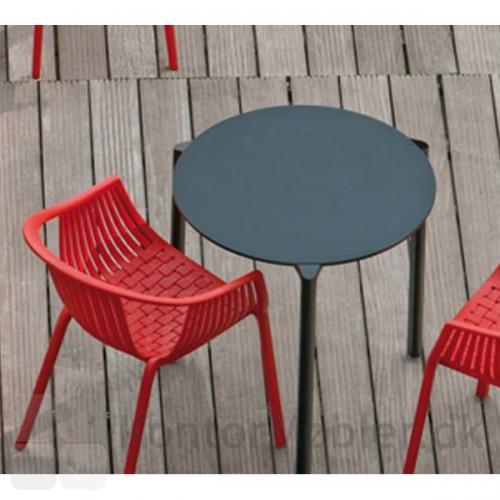 Jump bord i sort med Tatami stol fra Pedrali