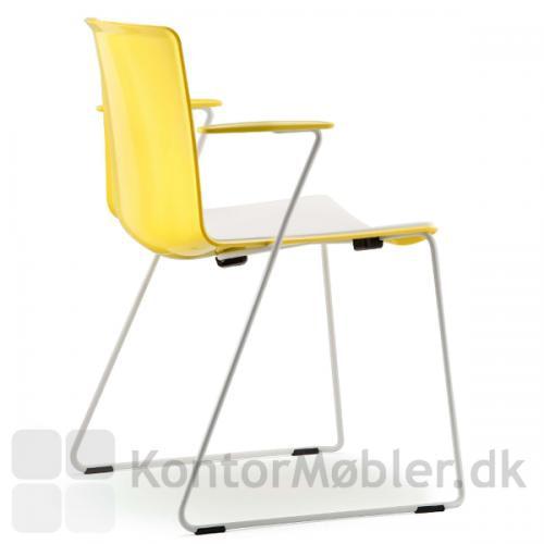 Tweet stol med gul ryg og gule armlæn