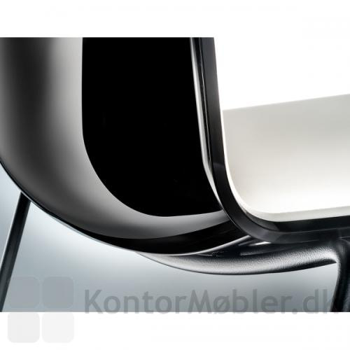 Tweet stolen kan vælges med bagsidefarve i sort, grå, beige, gul, orange, rød eller lime