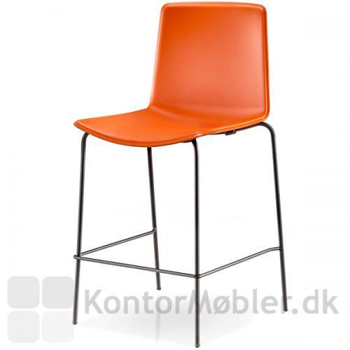 Tweet barstol med orange sæde og sort stel