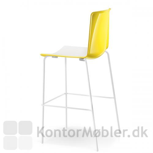Tweet barstol kan vælges med sæde i ensfarvet eller med farvet ryg og hvid forside
