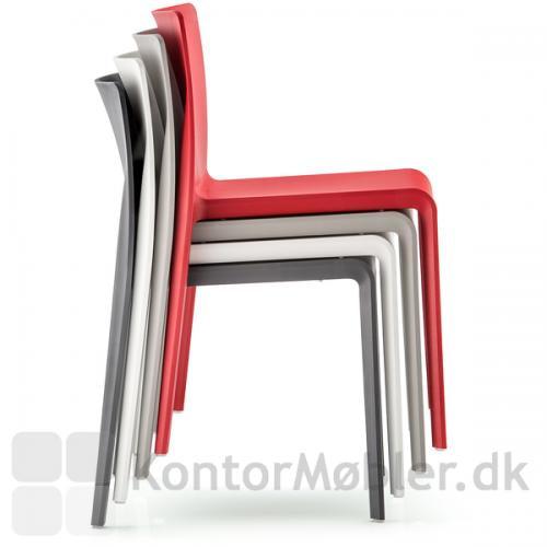 Volt stolen uden armlæn kan stables med op til 13 stk