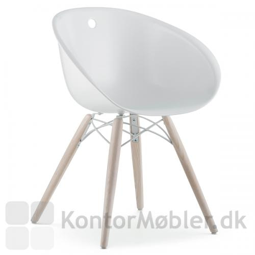 Gliss 904 mødestol med ben i hvidbejdset ask