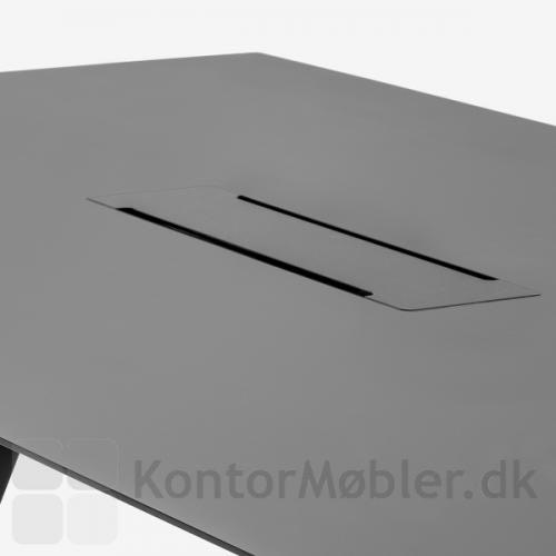 Arki mødebord i bredde 120 cm kan vælges med kabelbakke