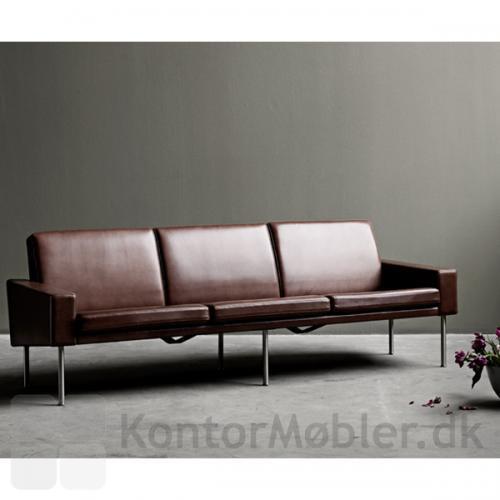 GE 34 sofa kan vælges i flere lædertyper og farver