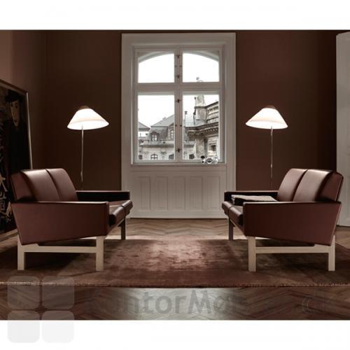 GE 34 sofa til 2 personer med ben i sæbebehandlet eg