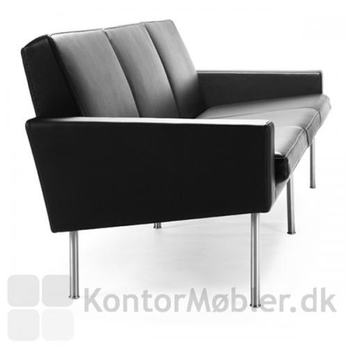 GE 34 sofa til 3 personer med stålben
