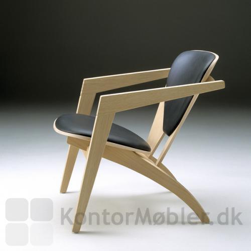 Butterfly stolen blev første gang fremstillet i 1977 og viser tydelige tegn på KVALITET samt unikt design.