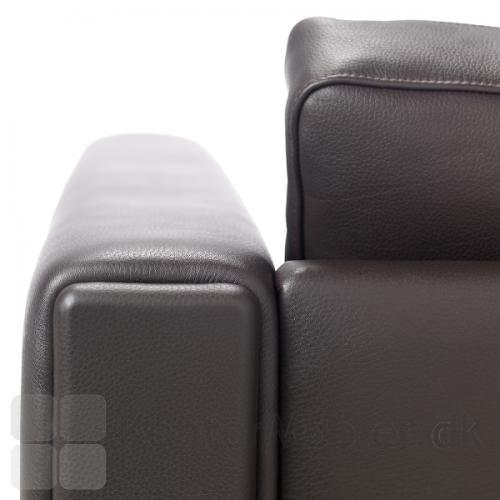 Century 2000 sofa, udsnit af armlæn