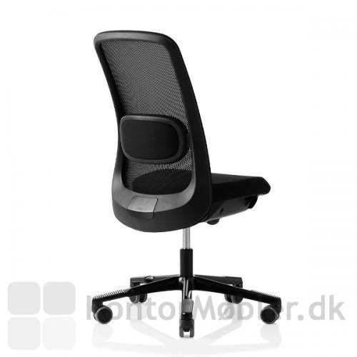 HÅG SoFi mesh kontorstol med inBalance®, får kontorstolen til at følge dine bevægelser