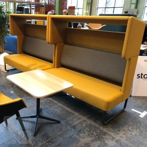 Four Us sofa med Cave modulet