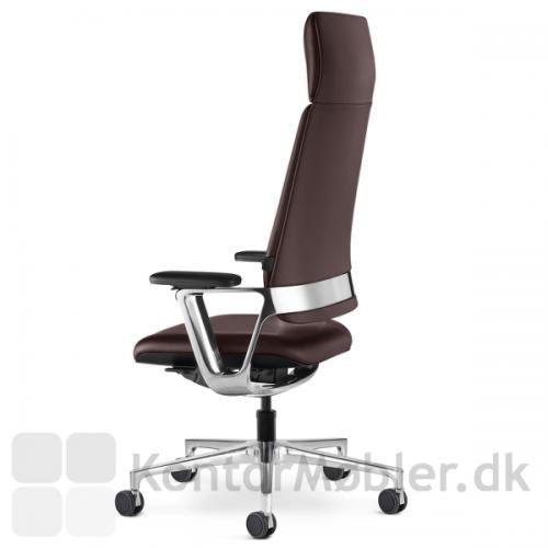 Connex2 kontorstol kan vælges med bred nakkestøtte og fuldpolstret ryg, hvilket giver ekstra god komfort, for et tillæg på 3.900,- (CNX95)