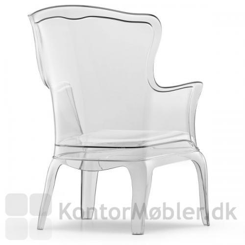 Pasha loungestol i klar transparent polycarbonat, har en flot ryg
