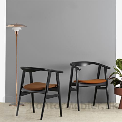 GE 525 stolen kan polstres med læder eller stof i mange varianter og farver