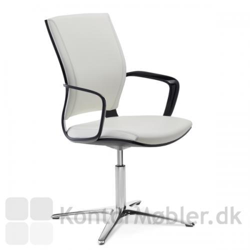 Moteo drejestol med sort højglans ryg og armlæn i mat sort