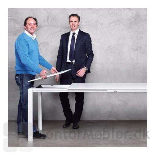 More udtræksbord med udtræksplade