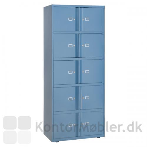 Systemfile Lodges stålopbevaring med 10 rum i blå. Højde 194,7 cm bredde 80 cm og dybde 47 cm