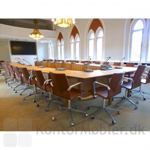 Four Cast kontorstol kan bruges til kontor og konference
