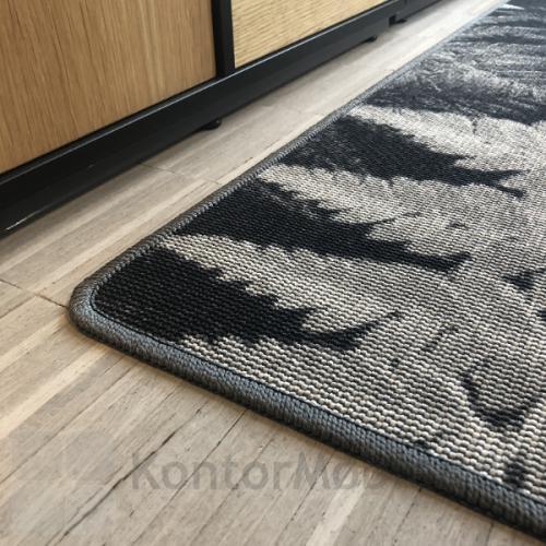 RAW gulvtæppe ses her med botanic grey mønster