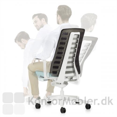 Pure kontorstol er designet til mennesket i bevægelse - stolen følges kroppens bevægelser