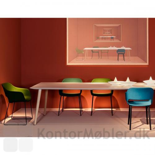 Babila soft stole, matcher Babila bordet