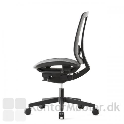 Air One kontorstol har sædedybde regulering for god siddekomfort