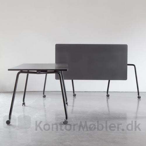 Four Fold flip top bord kan betjenes af en person