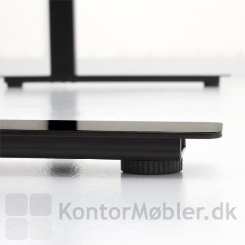 Conset 501-37 hæve sænke bord har en helt enkel fod