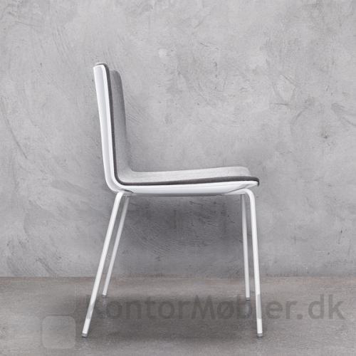 Noa mødestol med hvid skal og hvidt stel