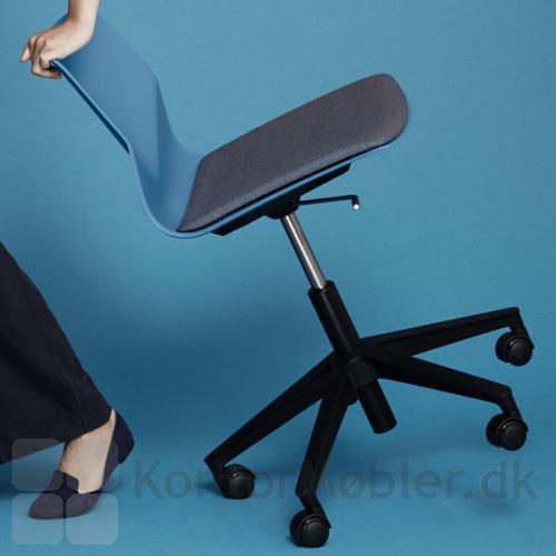 Four Sure 66 stol egner sig godt til fleksible løsninger på kontor, konference eller i undervisning