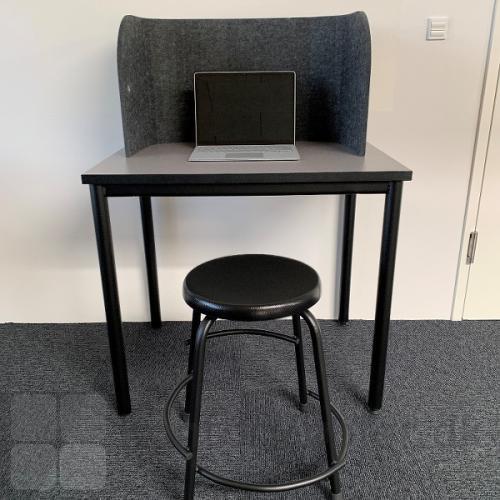 Sofia bordskærm er en fleksibel løsning til fordybelse