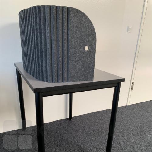 Med Sofia lyddæmpende bord skærm, kan man opbygge en rolig arbejdsplads