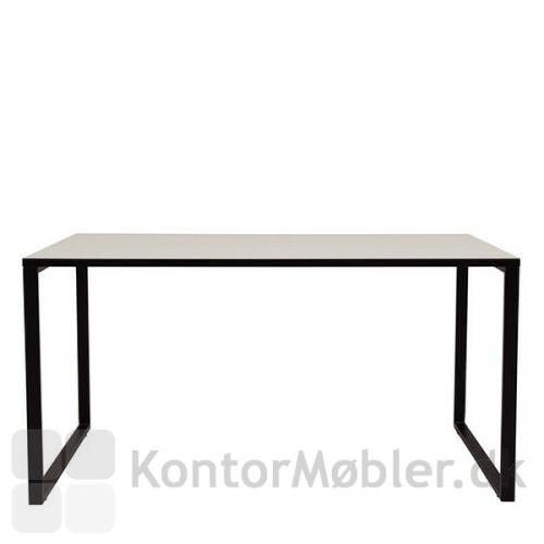 O-bordet er enkelt og klassisk med mulighed for bordplade i mange farver