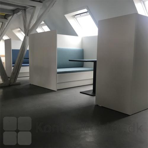 Kupé sofaen kan bruges til opdeling af lokalet