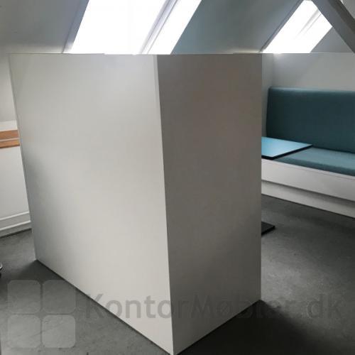 Kupé sofa enkelt høj model, kan vælges i længde 120 cm, 150 cm eller 180 cm