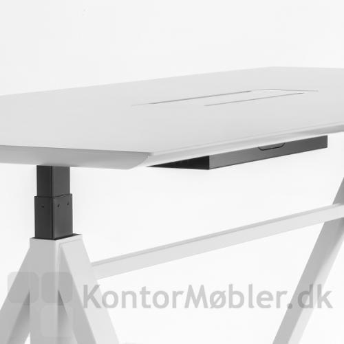 Bordhøjden på ARKI hæve sænke mødebord kan tilpasses efter brugeren