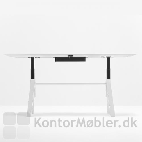 ARKI hæve sænke mødebord har en højdejustering fra 74 cm til 114 cm