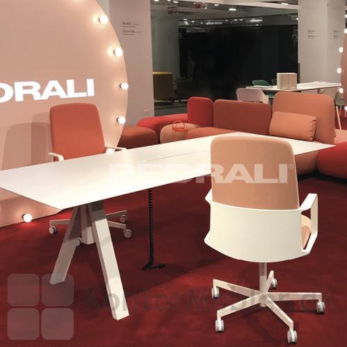 ARKI hæve sænke mødebord er et elegant bord til mødelokalet