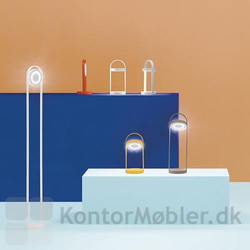 Giravolta lampeserie består af to bordlamper og en gulvlampe i højden 130 cm