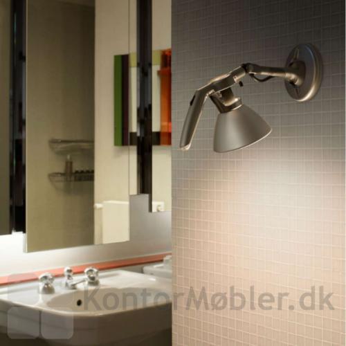 Fortebraccio væglampe giver god lys ude på badeværelset