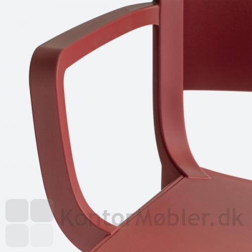 Dome stol fås med armlæn
