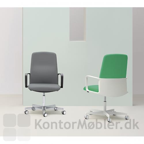 Vælges Temps kontorstol med sort ryg og armlæn, er det muligt, at vælge alu forkryds