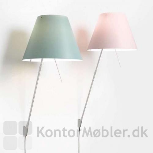 Costanza væglampe i comfort green sammen med Costanzina i edgy pink