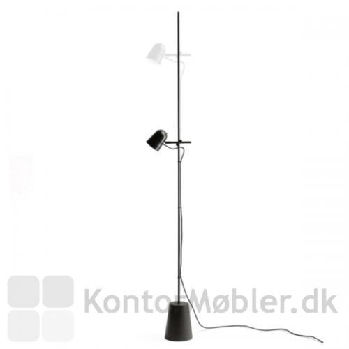 Counterbalance gulvlampe med justerbar arm