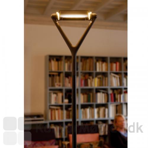 Lola gulvlampe giver fantastisk indirekte belysning