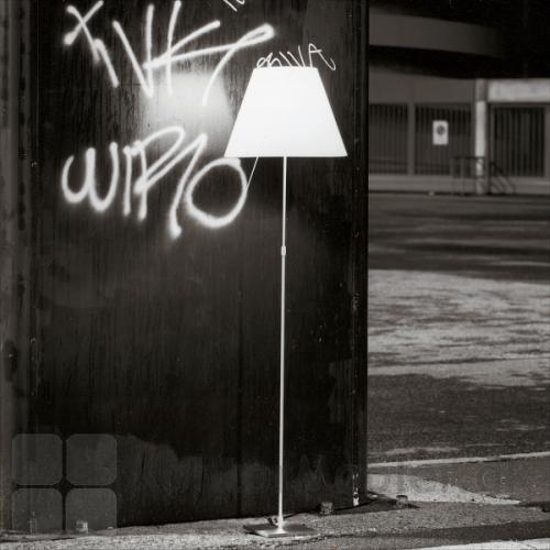 Costanza gulvlampe giver god belysning om aftenen