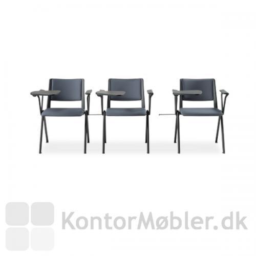Rave konferencestol med armlæn og koblingsbeslag i sort