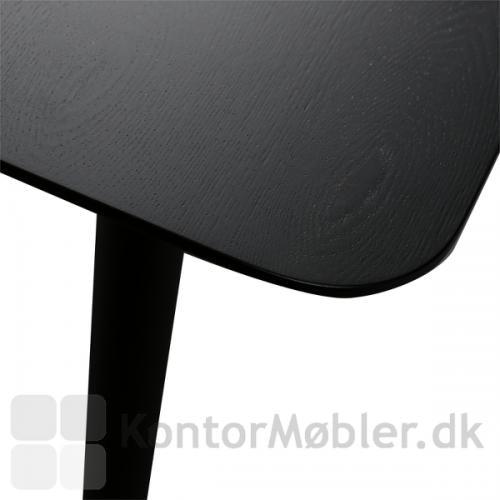 Pheno bord har afrundede hjørner på bordpladen