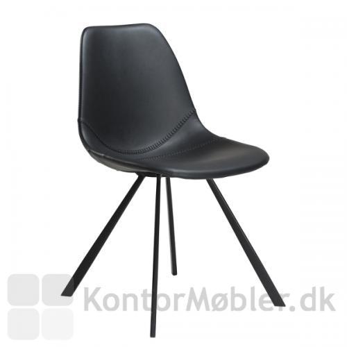 Pitch stol i sort kunstlæder med flotte syninger