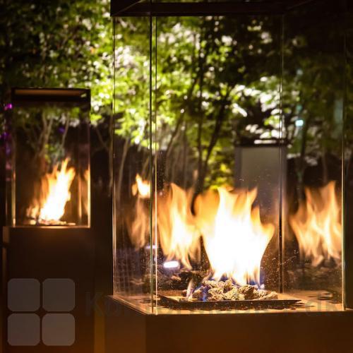 Oplev levende flammer på tæt hold med Lighthouse terrassevarmer